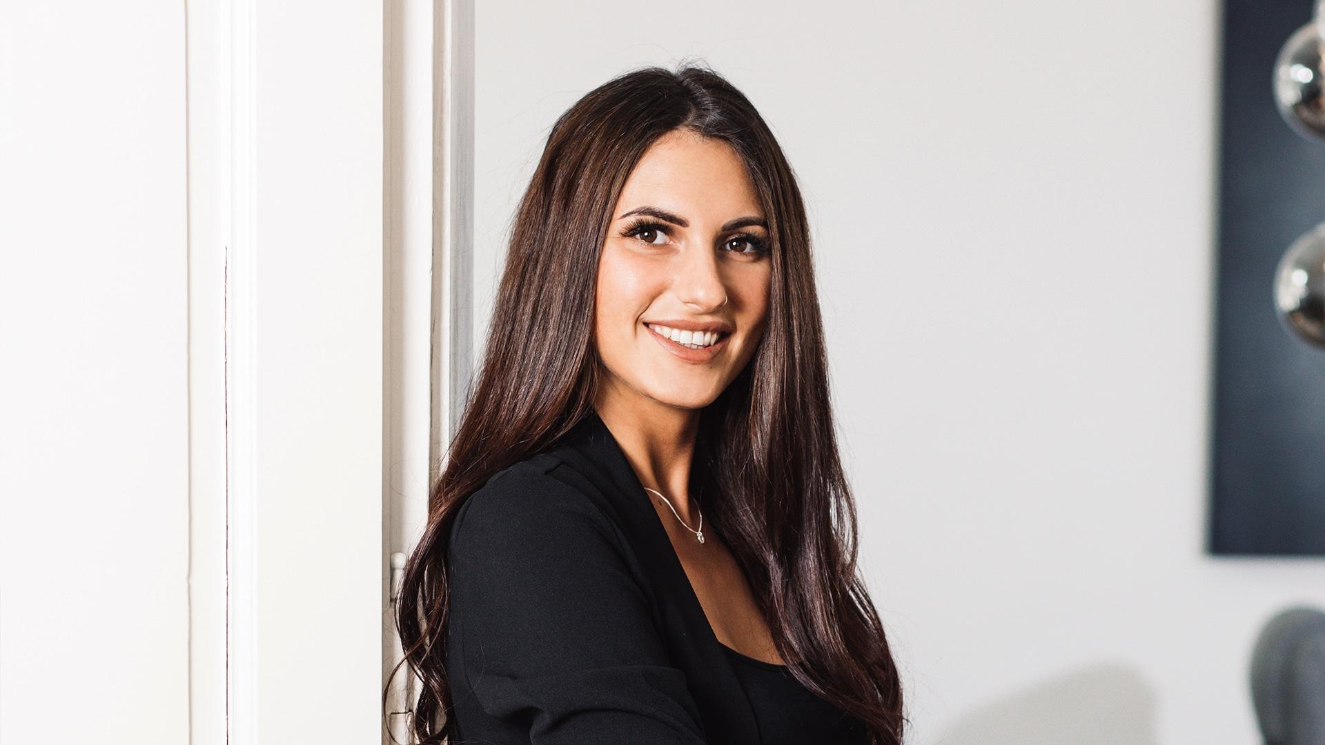 HELLO BEAUTY Marketing GmbH - Tamara Markl - Es begeistert mich nach wie vor, dass meine Anzeigen und Bildkreationen dazu beitragen, dass Neukunden generiert werden.